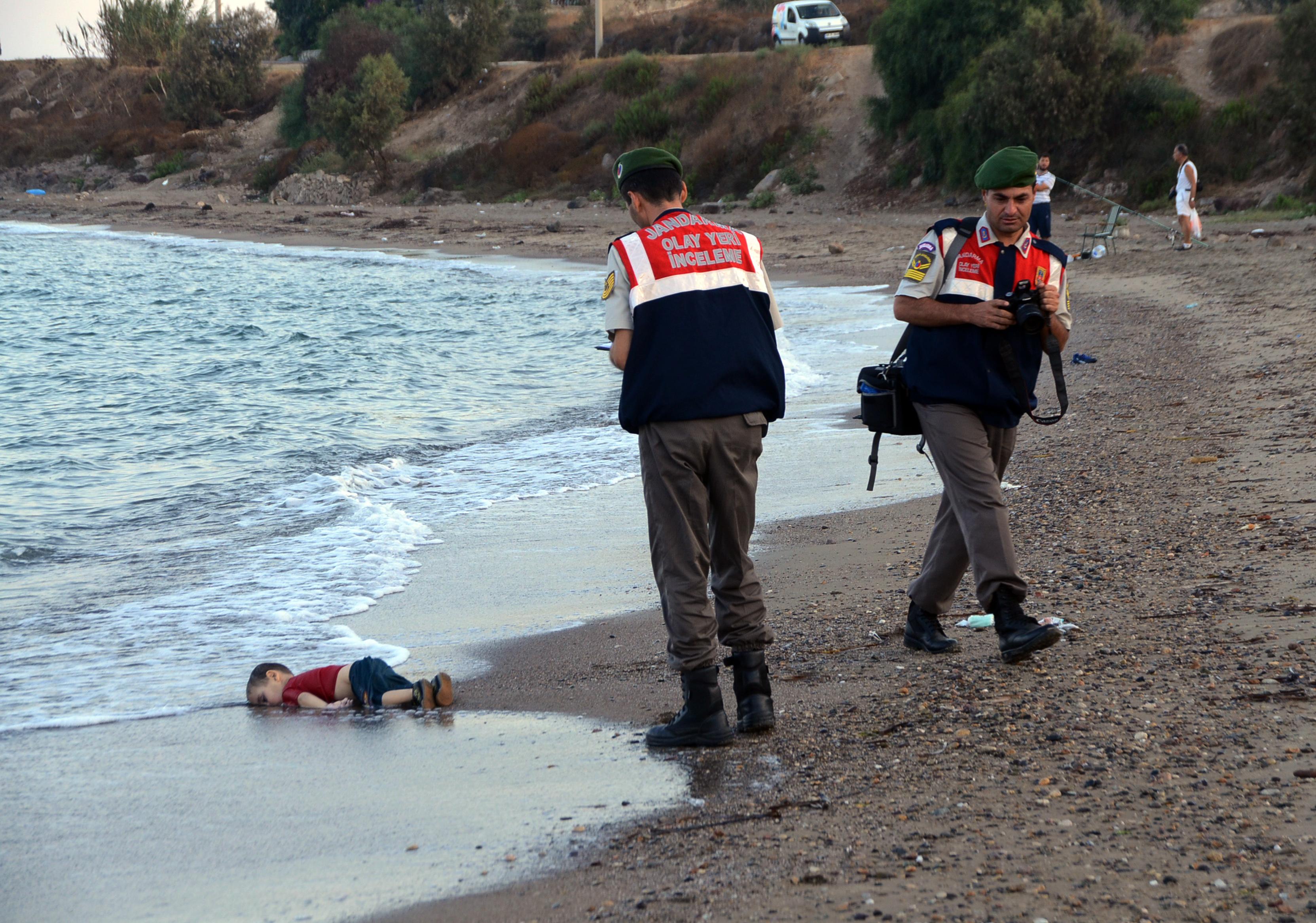 Утонувший мальчик-беженец