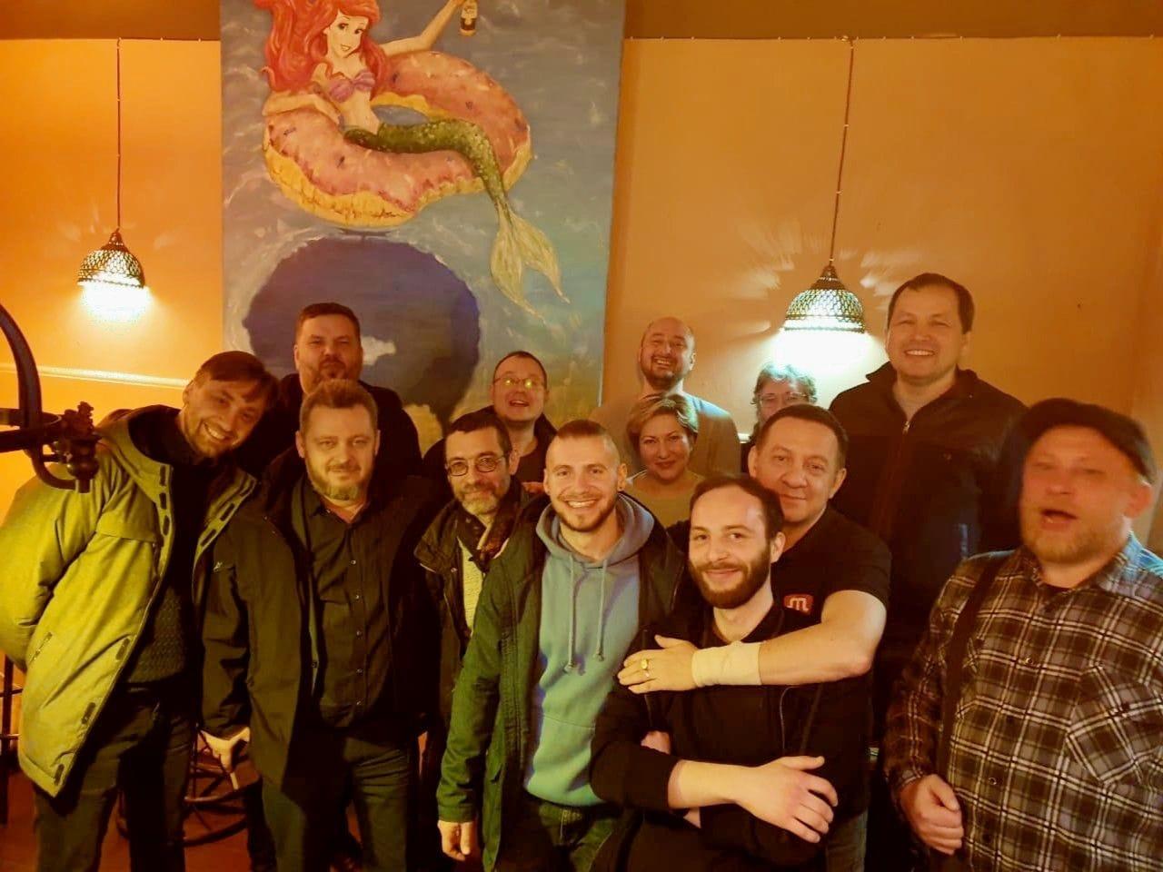 Встреча в киевском подвальчике